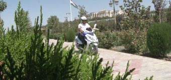 Хизматбарии милитсионерони шаҳри Душанбе бо скутерҳои хизматӣ